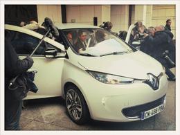 Renault remet les clés de la première Zoe à Arnaud Montebourg