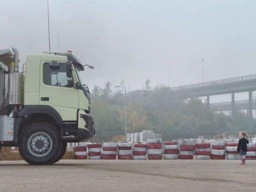 Vidéo: s'il te plait dessine moi un camion !