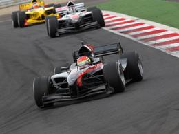 AutoGP/Navarra - Grosjean en tête du championnat pour un petit point