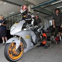 Moto GP - Honda: Aoyama domine toujours Simoncelli à Sepang