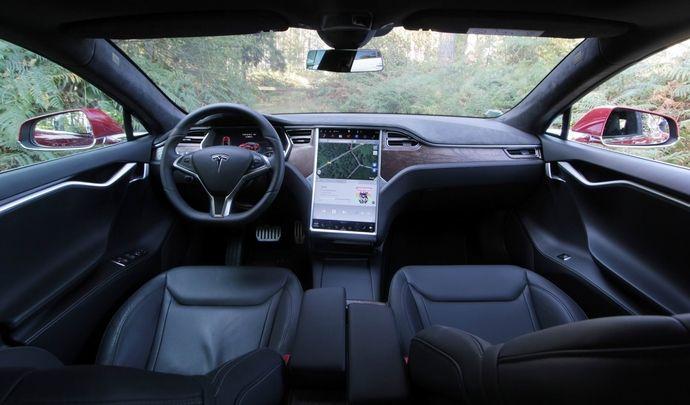 Tesla: un code PIN pour démarrer, comme sur un smartphone