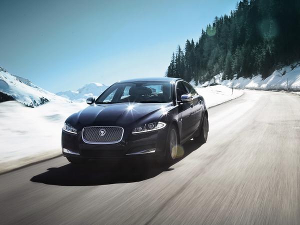 3 séries spéciales sur Jaguar XF pour Noël