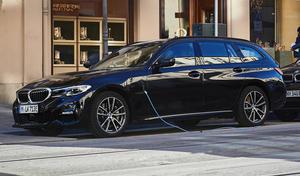 Salon de Genève 2020 : BMW lance l'hybridation rechargeable sur la Série 3 Touring