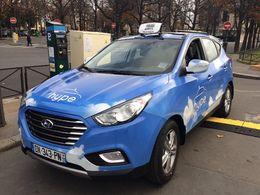 Cinq taxis à hydrogène se promènent dans Paris