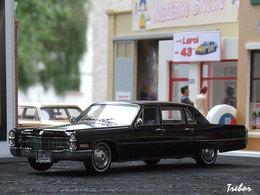 1/43ème - CADILLAC Fleetwood 75 Limousine