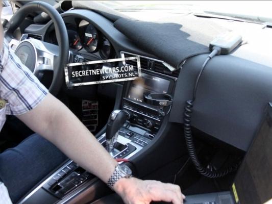 Spyshot : des accents de Panamera pour l'intérieur de la prochaine Porsche 911