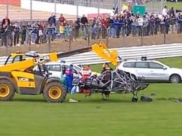 [Vidéo] Comment réduire à néant une Renault Megane Trophy en course