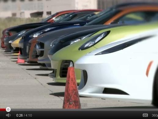 Motortrend : que faire avec une piste d'aéroport désaffectée et 11 voitures totalisant 5000 ch ?