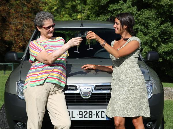 Nos drôles de dames testent le Dacia Duster