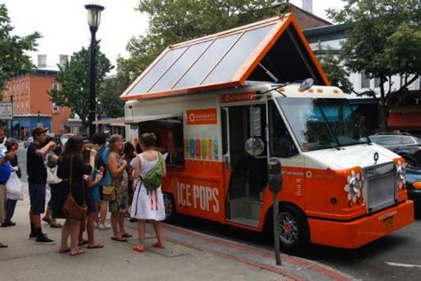 un camion de glace solaire fait la promotion des nergies renouvelables. Black Bedroom Furniture Sets. Home Design Ideas