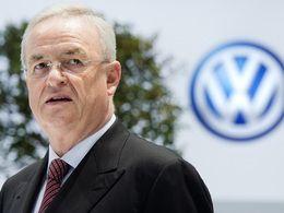 L'ex patron de Volkswagen serait toujours sous contrat et percevrait son salaire et ses bonus