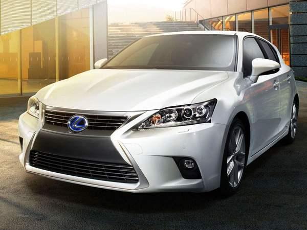 Lexus : une nouvelle compacte CT 200h pour 2017