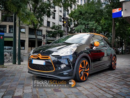 La Citroën DS3 Racing se promène en ville