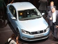 Mondial de l'Auto 2010 : Nouvelle Volkswagen Passat et Passat SW, les infos et les photos live de sa présentation