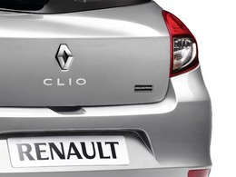 Baisse de la production à Flins, Renault supprime 200 postes
