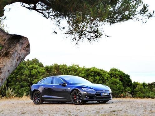 Tesla : la voiture 100 % autonome prête d'ici deux ans ?