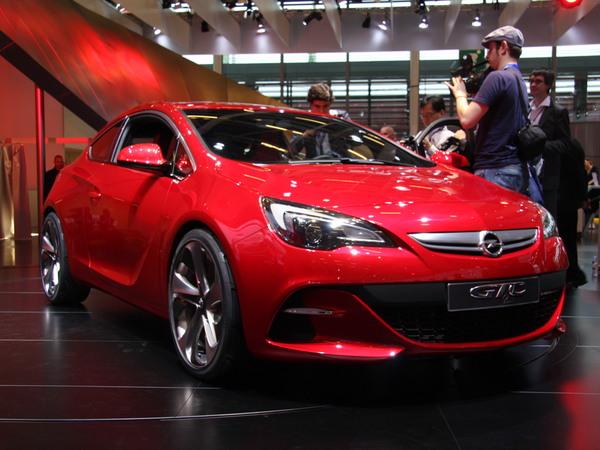 Mondial de Paris 2010 : Opel GTC en live