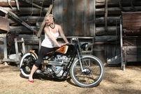 Moto & Sexy : Cafe Racer Babe #4