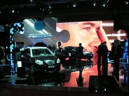 En direct du Mondial de Paris 2010 - Ambiance puzzle sur le stand Lancia-Chrysler