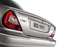 Essence à contre sens pour la Jaguar XJ