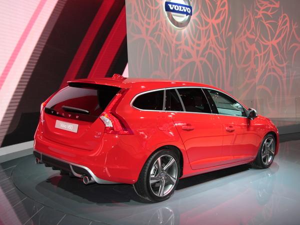 Mondial de Paris 2010 : Volvo V60 : plus esthétique que pratique