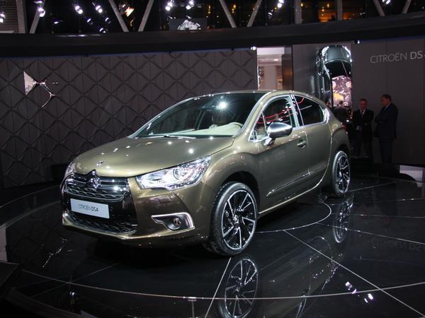 Mondial de Paris 2010 : Citroën DS4 : pour l'intérieur, il faudra repasser