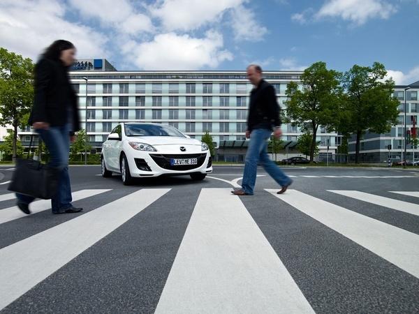 Nouvelle Mazda 3 i-stop: 0,35 s seulement pour redémarrer