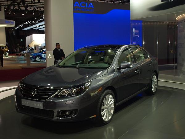 Renault Latitude : le haut de gamme viendra plus tard
