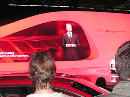 En direct du Mondial de Paris 2010 - Audi invente la présentation virtuelle