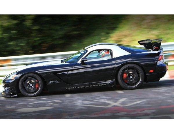 Ring Folies : la Dodge Viper ACR en 7'12''