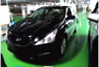 Spyshot : la future Hyundai Sonata prise sans maquillage, mais on n'y voit presque rien