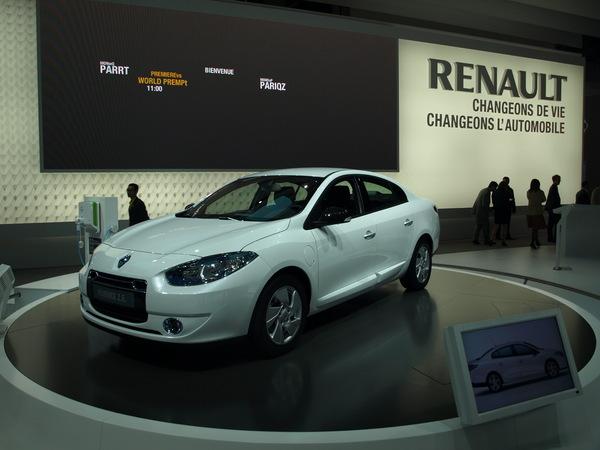 Mondial 2010 : Renault Fluence ZE,  21 300 €, sans la batterie !