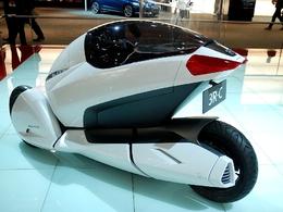 Mondial de l'auto 2010, en live : Honda 3R-C, auto ou moto !?