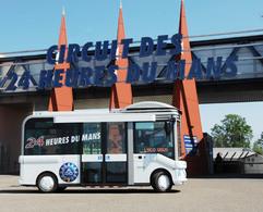 Vous voulez visiter le circuit des 24 Heures du Mans? c'est possible... en minibus!