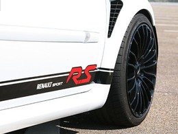La Clio 3 RS Phase 2 passe entre les mains de MR Car Design