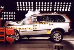Le Volvo XC 90 et Renault Espace, derniers 5 étoilés aux crash-tests Euro Ncap