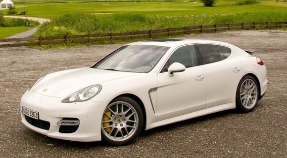 Porsche: des versions plus radicales de la Panamera en préparation