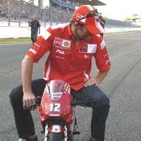 Superbike: Bayliss s'occupe de la garderie
