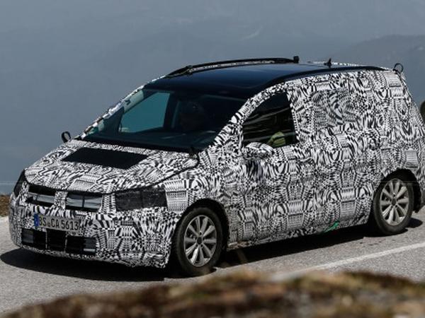 Surprise : le futur Volkswagen Touran en balade