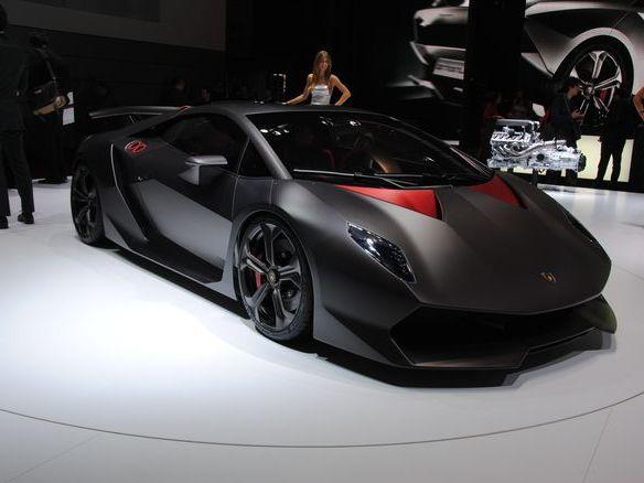 Mondial de Paris 2010 : Lamborghini Sesto Elemento, Lambo-light