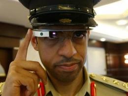 Insolite: les flics de Dubaï en lambo et en lunettes Google