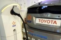C'est officiel : Toyota et EDF testeront des véhicules hybrides rechargeables