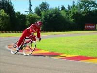 Vidéo : Fernando Alonso fait de la publicité pour les vélos Colnago