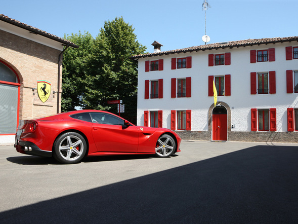 Ferrari : les crossover et berline, non merci