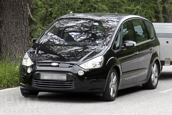 Spyshot : Ford S-Max restylé