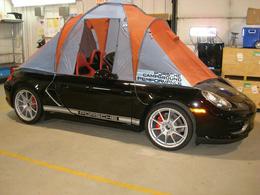 Un peu de camping en Porsche Boxster Spyder