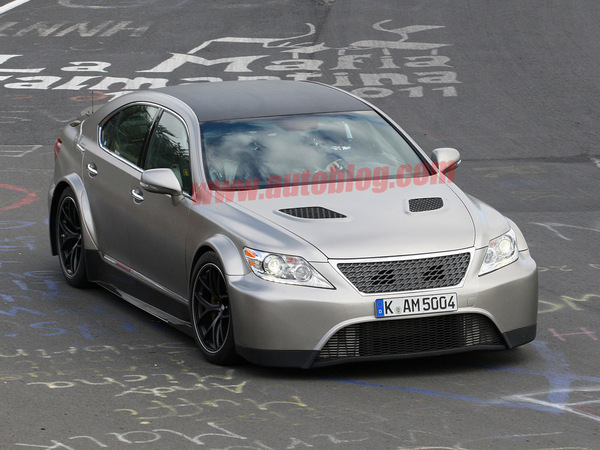 Surprise : une Lexus LS TMG Edition sur le Ring