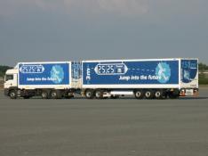 Point info de 15h : la peur des méga-camions est-elle justifiée ?