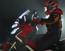 Vidéo - Honda: Marc Marquez aime le X-ADV