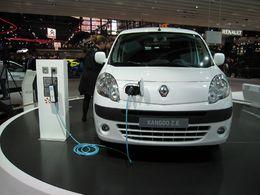 Mondial de Paris 2010 : Avis va louer 500 véhicules électriques Renault dès fin 2011 en Europe